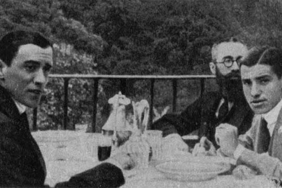 Belmonte, Valle Inclán y enfrente Pérez de Ayala
